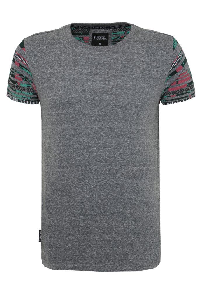 T-Shirt mit Ethno Print