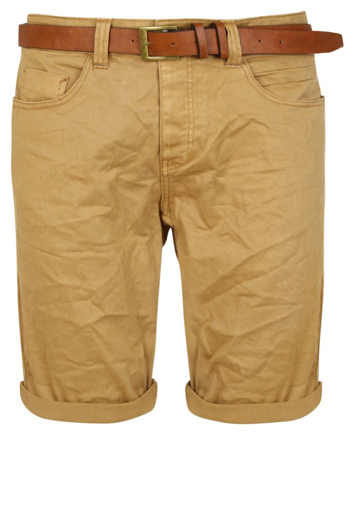 Farbige Shorts mit Gürtel